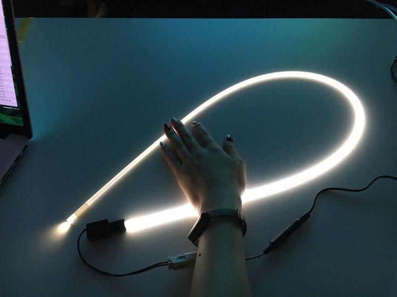 光が先に行くほど減衰していくタイプのライトスリング